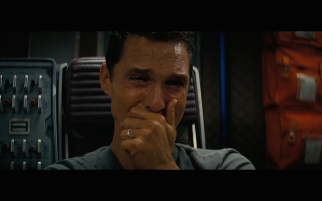 interstellar-screenshot-matthew-mcconaughey-crying